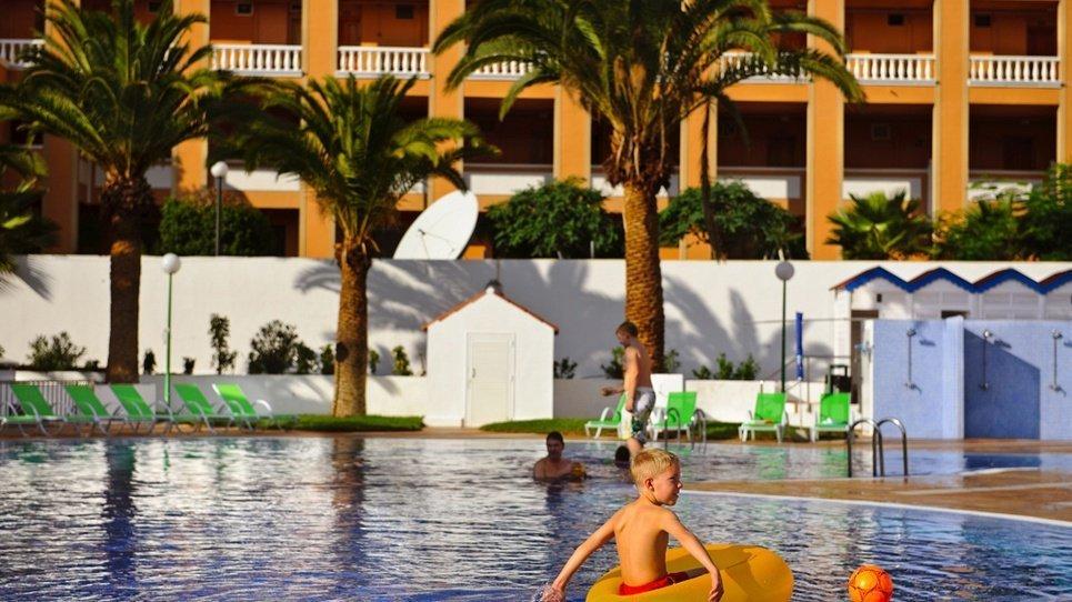 PISCINA NIÑOS  Hotel Coral Compostela Beach